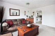 2 bed Flat to rent in Monmouth Close, London...