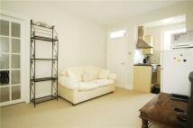 2 bedroom Flat in Chiswick Road, London, W4