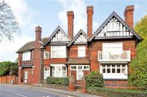 Apartment to rent in Southlea Road, Datchet...