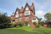 4 bed Flat in Southlea Road, Datchet...