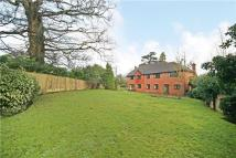 5 bedroom Detached house to rent in Coombe Hill Court...