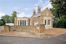 3 bed Detached house in Ditton Park Road...