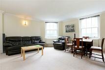 Apartment in Bush Lane, London, EC4R