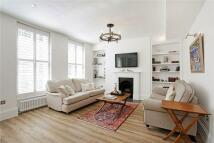 Apartment in Fleet Street, London...
