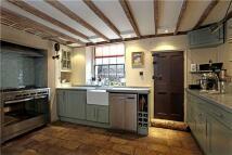 Terraced home to rent in Parfett Street, London...