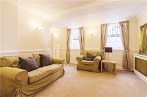 2 bedroom Apartment in St Andrews Hill, London...