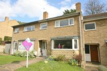3 bedroom semi detached home to rent in 8 Deweys Close...