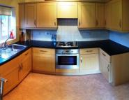 2 bedroom Flat in Woodsome Park , L25