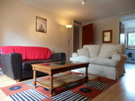 Flat in The Oaks, Staines