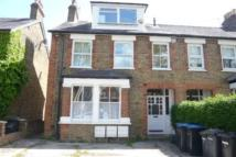 Apartment to rent in Avenue Road, Staines