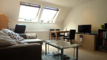 Flat to rent in Moormede Crescent...