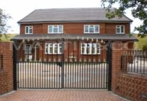 6 bed semi detached home in Coppermill Road...