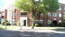 2 bed Ground Flat to rent in Riverbank Flats...