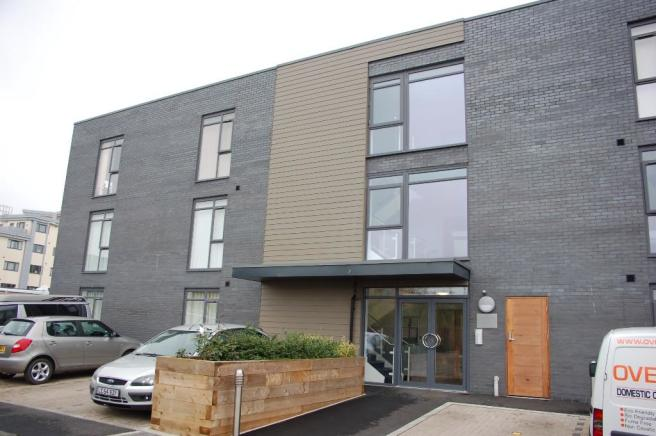 2 Bedroom Apartment For Sale In Cunningham Court Taunton Somerset Ta1 Ta1