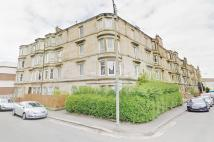 Flat in 9, Holmhead Place...