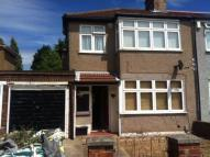 3 bedroom house in Rushden Gardens...