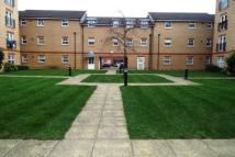 Flat to rent in Piper Way, Ilford, IG1