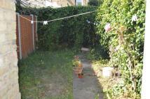 2 bedroom Maisonette to rent in Lloyd Road, Eastham, E6