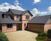 Detached house in Warwick Close...