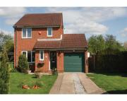 3 bed Detached house to rent in Oak Drive, Newport