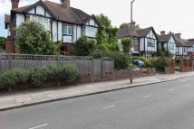 4 bed semi detached home in Rusham Road, Balham