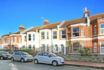 Flat to rent in York Road, Worthing...