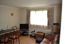 Flat to rent in Westglade Court...