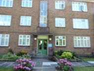 2 bed Flat to rent in Donnefield Avenue...