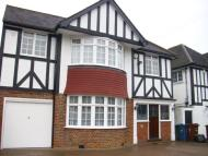 4 bedroom Detached house to rent in Court Drive, Stanmore...