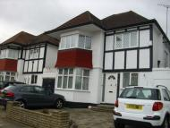 4 bed Detached property to rent in Hillcrest Avenue...
