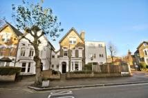 Flat to rent in Upper Tollington Park...