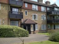 2 bed Flat to rent in Marsh Lane, Stanmore, HA7