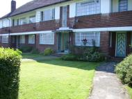 2 bed Flat in Ossulton Way...