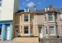 Maisonette to rent in Devonport Road, Stoke...