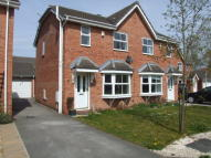 3 bedroom semi detached house to rent in 5 Tealby Close...