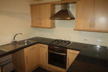 2 bedroom Flat in 8 Winnington Lane...