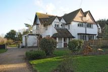 5 bed semi detached house in Blofield Road, Brundall...