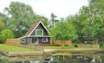 3 bed Detached home in Meadow Drive, Hoveton...