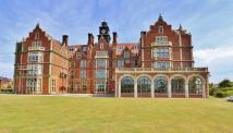 3 bed Apartment for sale in Cobbold Road, Felixstowe...