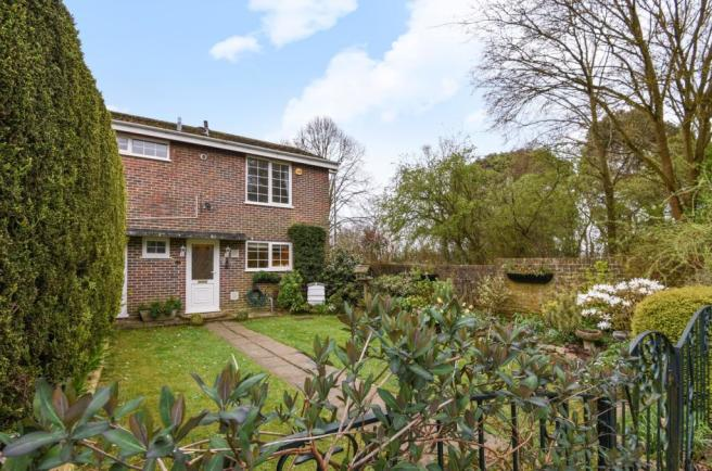 3 bedroom end of terrace house for sale in spencer road