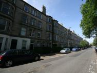 property to rent in 142(3f1) Brunton Gardens, Hillside, Edinburgh EH7 5ET