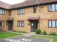 1 bed Ground Flat to rent in Cranleigh Gardens...
