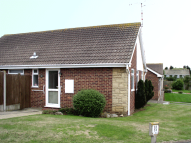 Detached Bungalow to rent in Avondale Close...