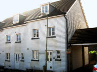 Town House to rent in Eversleigh Rise...