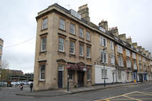 Flat to rent in St. James's Parade, Bath...