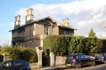 2 bed Apartment to rent in BECKFORD ROAD, Bath, BA2