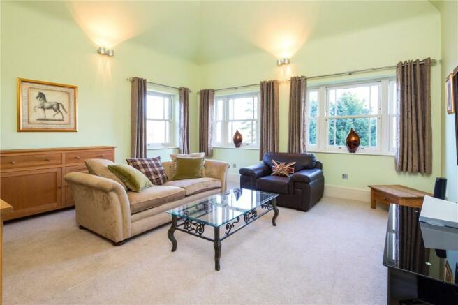 Bedroom7/Living Room