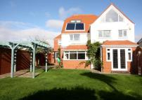 5 bedroom Detached home in Private Beach Estate...