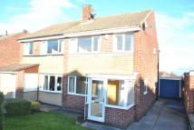 3 bed semi detached property to rent in Oak Lodge Road...
