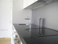2 bed Flat in Airpoint, West Street...